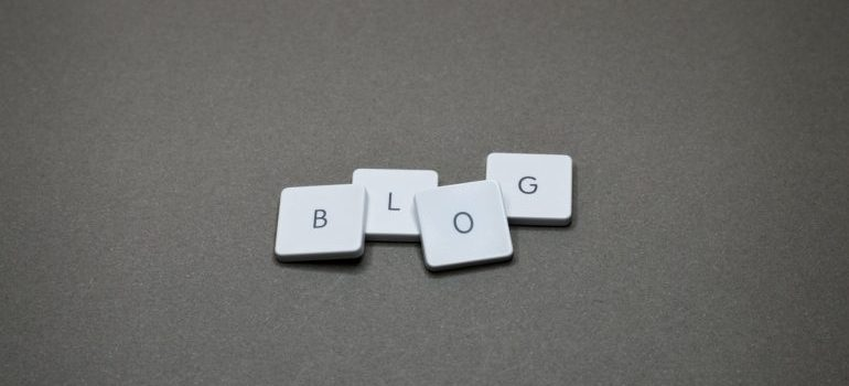 letters spelling the word blog